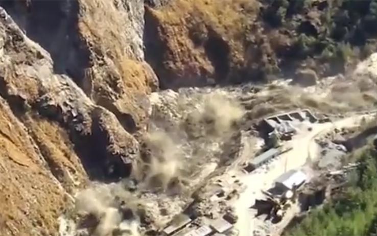 Crollo delle dighe sull'Himalaya